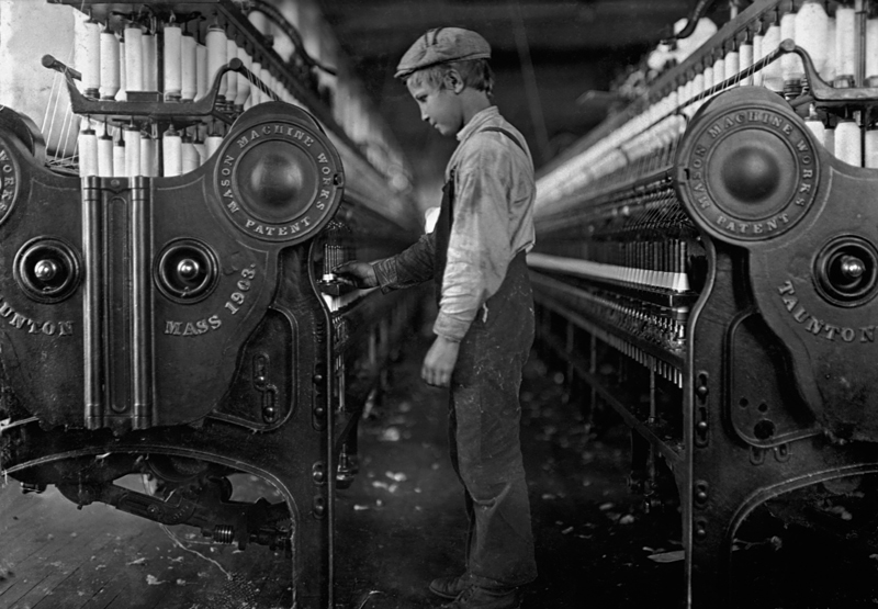 A young mill worker, unknown city in the United States, 1918. Date1918 Source Corbis, through The New York Times photo archive, via their online store, here Author Lewis Hine (1874–1940) Blue pencil.svg wikidata:Q347194 q:it:Lewis Hine Permission (Reusing this file) Public Domain